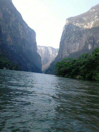 Parque Ecoturistico Canon del Sumidero: paredes del cañon