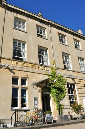The Rodney Hotel: Rodney Hotel frontage - morning