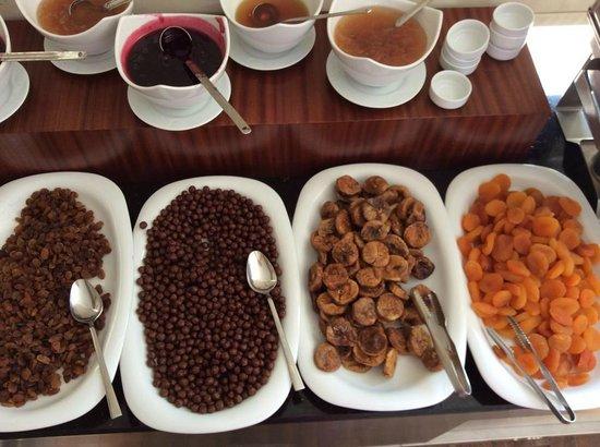 The Empress Theodora Hotel: Desayuno Bufette