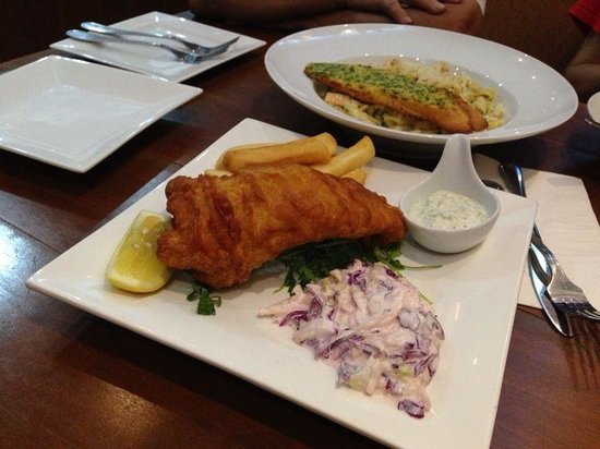 Uncle Albert's Traditional Fish and Chips : Just nice for 4 pax
