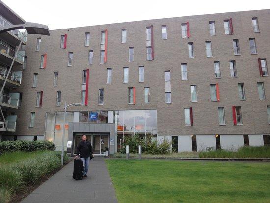 Hotel Ibis Budget Brugge Centrum Station : Fachada Principal