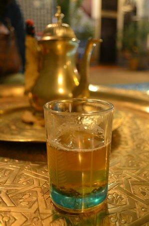 Riad Fes Baraka : thé à la menthe