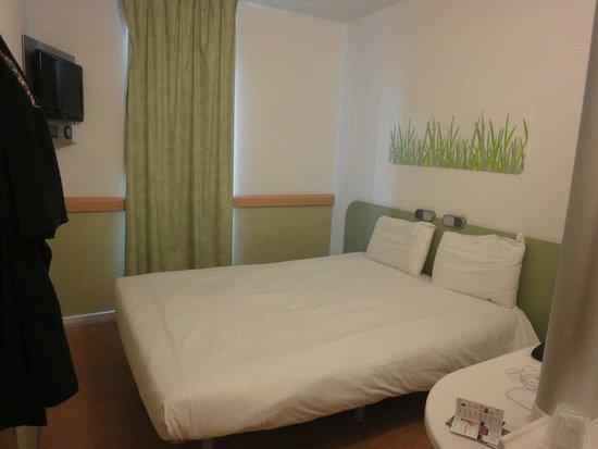 Hotel Ibis Budget Brugge Centrum Station : Habitacion