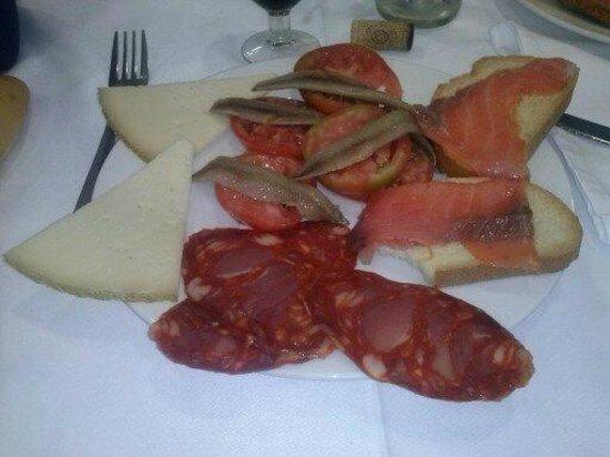 Hotel Entremares: comedor,platos combinados