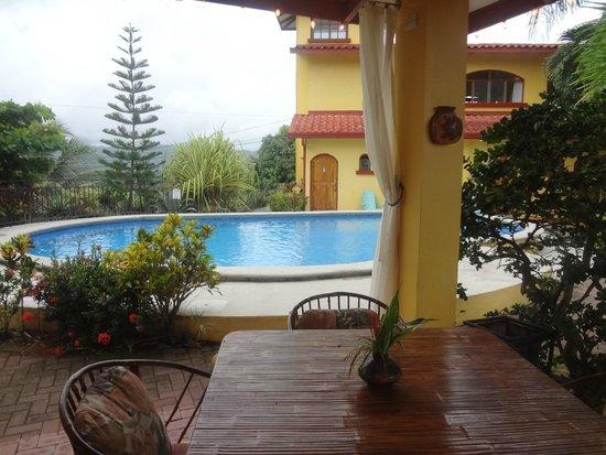 Aparthotel Vista Pacifico: pool/common area