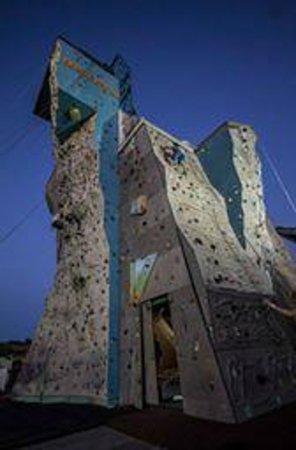 Olympus climbing wall: the wall