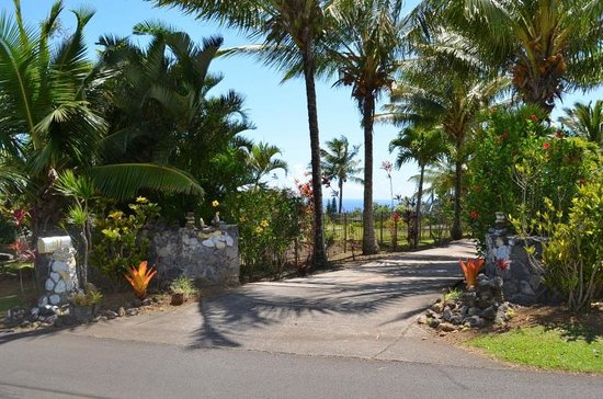 Maui Ocean Breezes Entrance