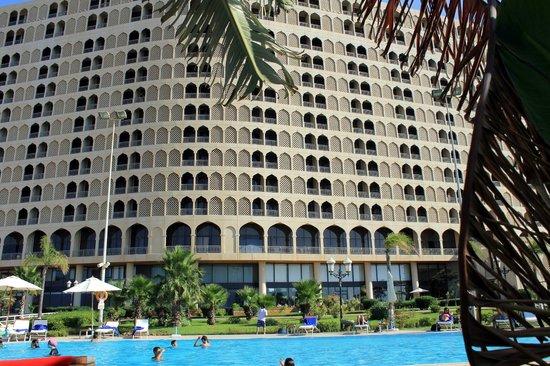 Hilton Alger: Façade nord (vers la mer) de l'hôtel