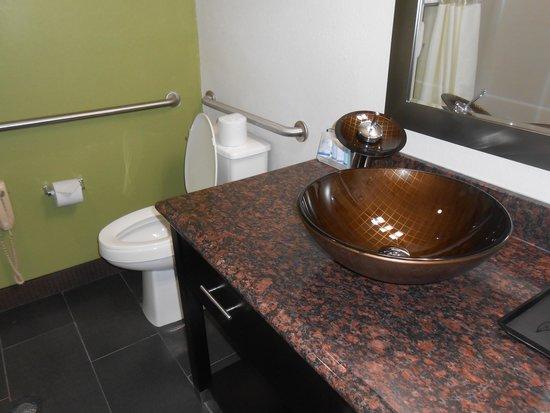 Sleep Inn : Bathroom with odd sink