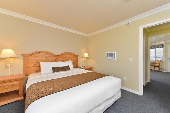 Cayucos Beach Inn: Standard Suite