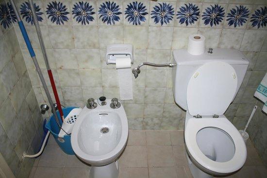 clean standard bathrooms