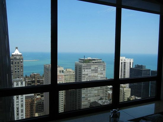 The Ritz-Carlton, Chicago: Lake view from the 29th floor