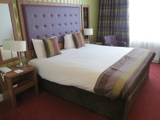 Dublin Skylon Hotel: Comfortable bed