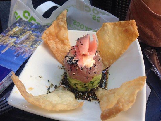 The Cheesecake Factory : Fresh tuna and avocado starter