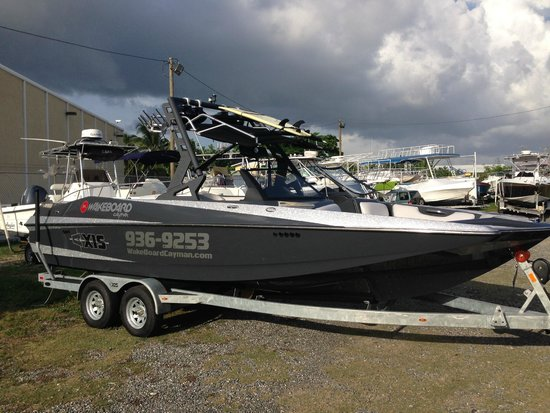 Wakeboard Cayman: Our 2015 Axis A24