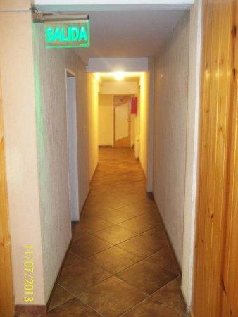 Hotel Flamingo: Pasillo del hotel
