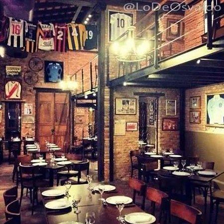 Interior - Lo de Osvaldo (Foto vía Instagram @lodeosvaldo)