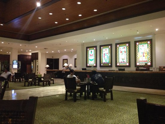 Waterfront Airport Hotel and Casino : Lobby