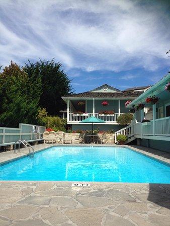 BEST WESTERN PLUS Carmel Bay View Inn: Pool!