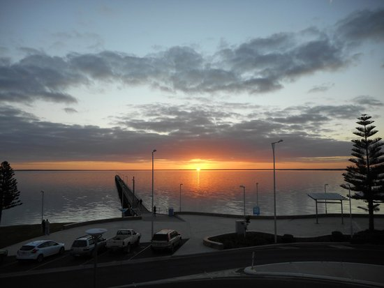 Ceduna Foreshore Hotel Motel : Sunset taken from the dining room