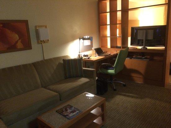 HYATT house Austin / Arboretum : Lounge area in room