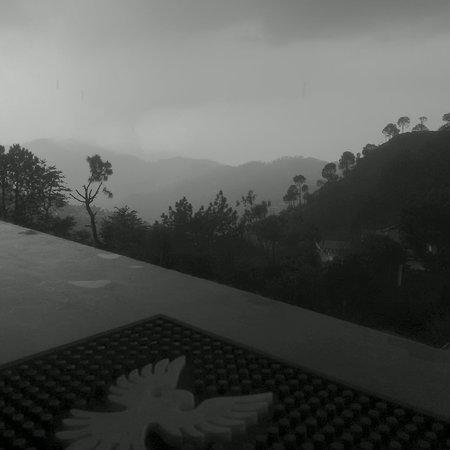 Kasauli Regency Hotel : View from rooftop