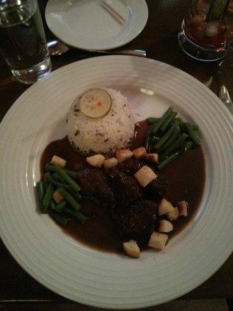 Chez Victor: Boeuf Bourguignonne au riz