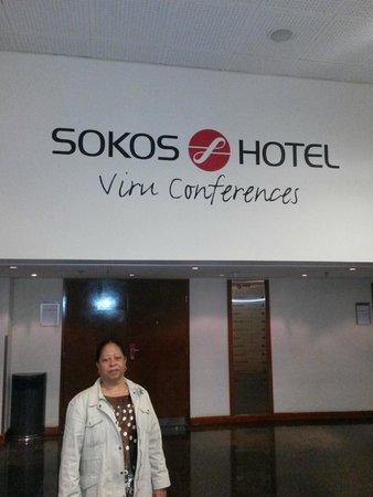 Original Sokos Hotel Viru: Frente do restaurante e salão de conferencia