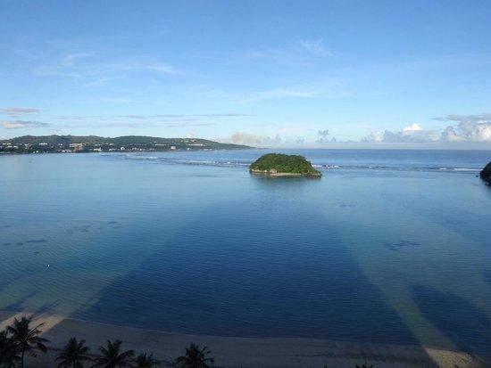 Onward Beach Resort: 早朝の島