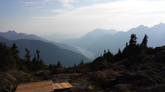 Clayoquot Wilderness Resort: Mountain Hiking View