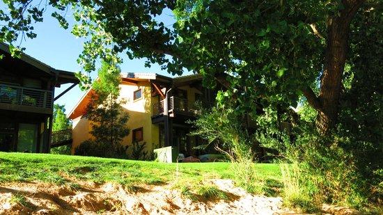 Desert Pearl Inn : Rooms overlook Virgin River