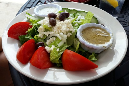 Black Bear Bistro: Greek Salad