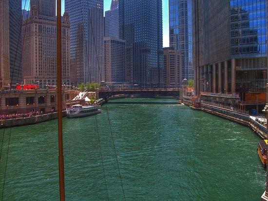 Michigan Avenue: Michigan River