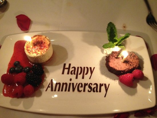 The Capital Grille: Complimentary dessert with chocolate stenciled greeting