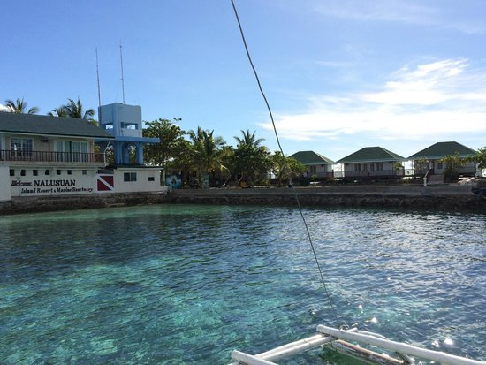 Nalusuan Island Resort: arriving the island