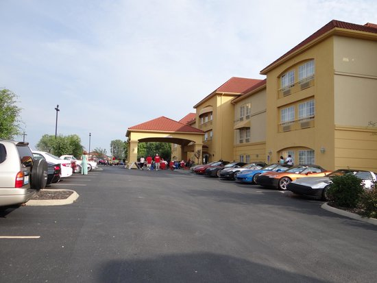 La Quinta Inn & Suites Bowling Green : Hotel Entrance