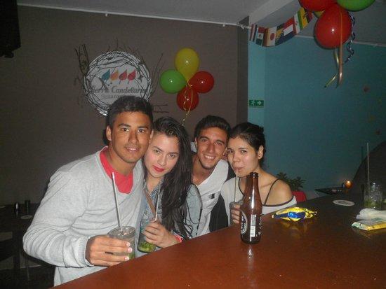 Hostal Sue Candelaria: Fiesta con las chicas del staff del hostel! Andrea y Laura♥