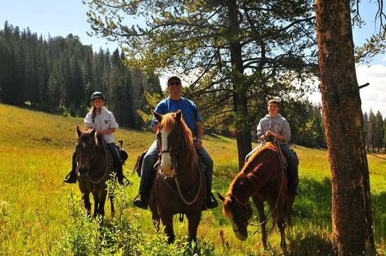 Covered Wagon Ranch: Out on the trail