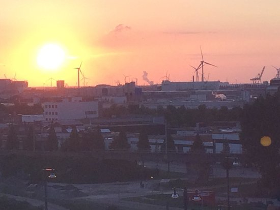Holiday Inn Express Amsterdam-Sloterdijk Station: View from the room .