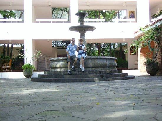 Los Tajibos Hotel & Convention Center: Uno de los espacios entre habitaciones.