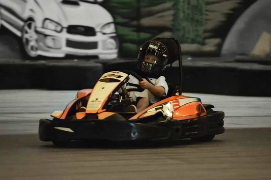 SB Raceway Indoor Karting: Really cool karts