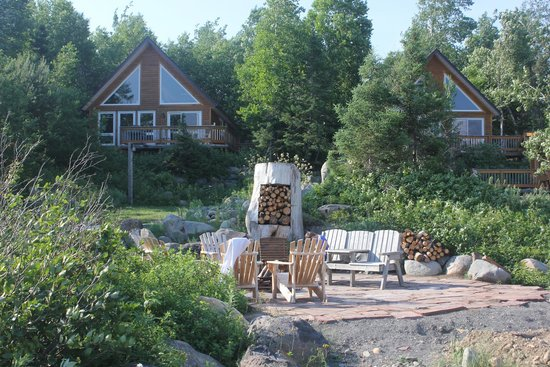 Riverfront Chalets & Rafting Newfoundland: One of 4 Chalets that offer Spectacular View of River