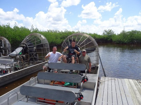 Jungle Erv's Everglades Airboat Tours: Michael, Andy mit Captain JOHNNY