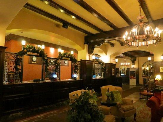 Hotel Clarendon : Hotel Lobby