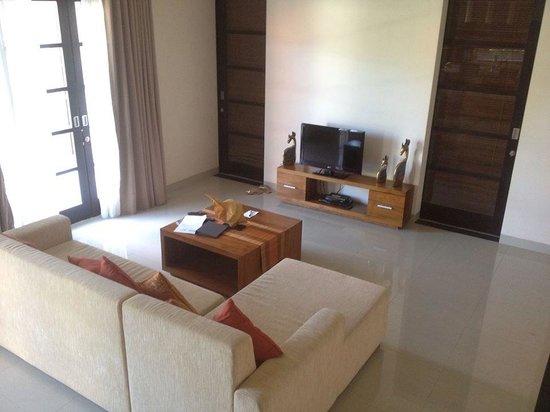 Destiny Villas: Living Room
