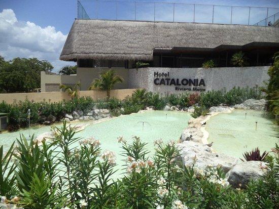 Catalonia Riviera Maya: Entrada del hotel