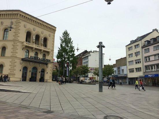 Mercure Hotel Saarbrücken City: europa galerie just walking distance