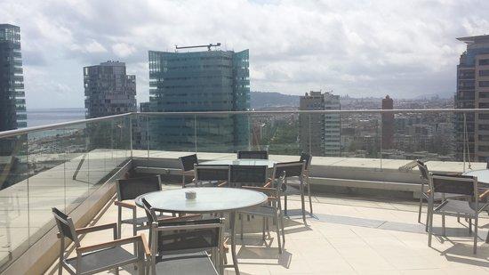 Hilton Diagonal Mar Barcelona: executive lounge deck