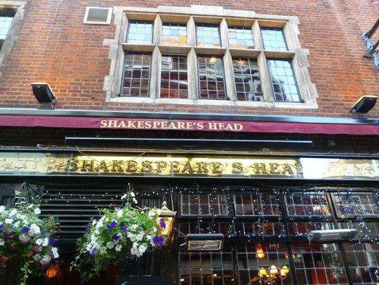Shakespeare's Head : Outside