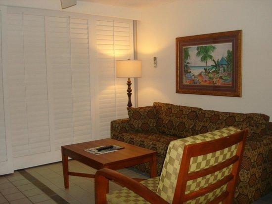 Maui Schooner Resort : Living room